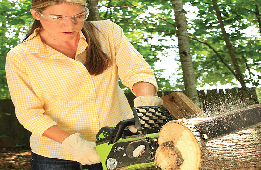 Best Cordless Chainsaws Reviews and Buying Guide