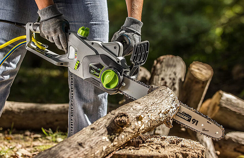 Best Electric Chainsaws Reviews and Buying Guide