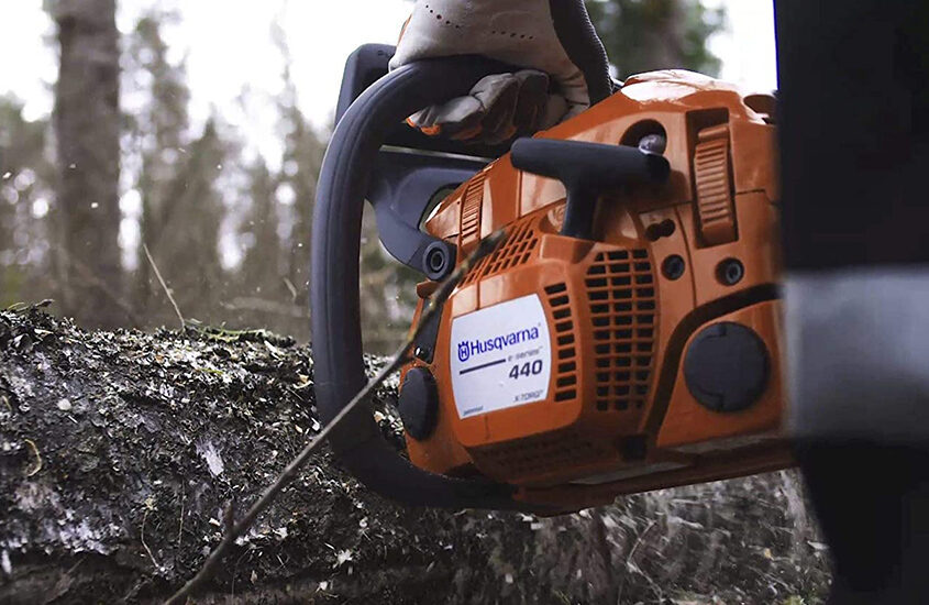 Best Husqvarna Chainsaws Reviews and Buying Guide