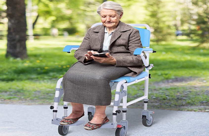 Best Lightweight Wheelchair Reviews and Buying Guide